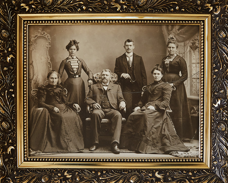 2F1A8031 Bernhardt Family Photo.jpg