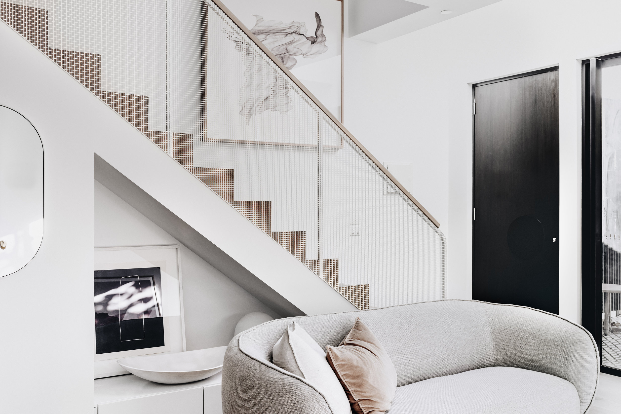 Most of the townhouses are north facing, making them incredibly light and bright inside. This combination of fresh sea breeze and light brings a very organic energy to the spaces. Photo -  Maegan Brown .