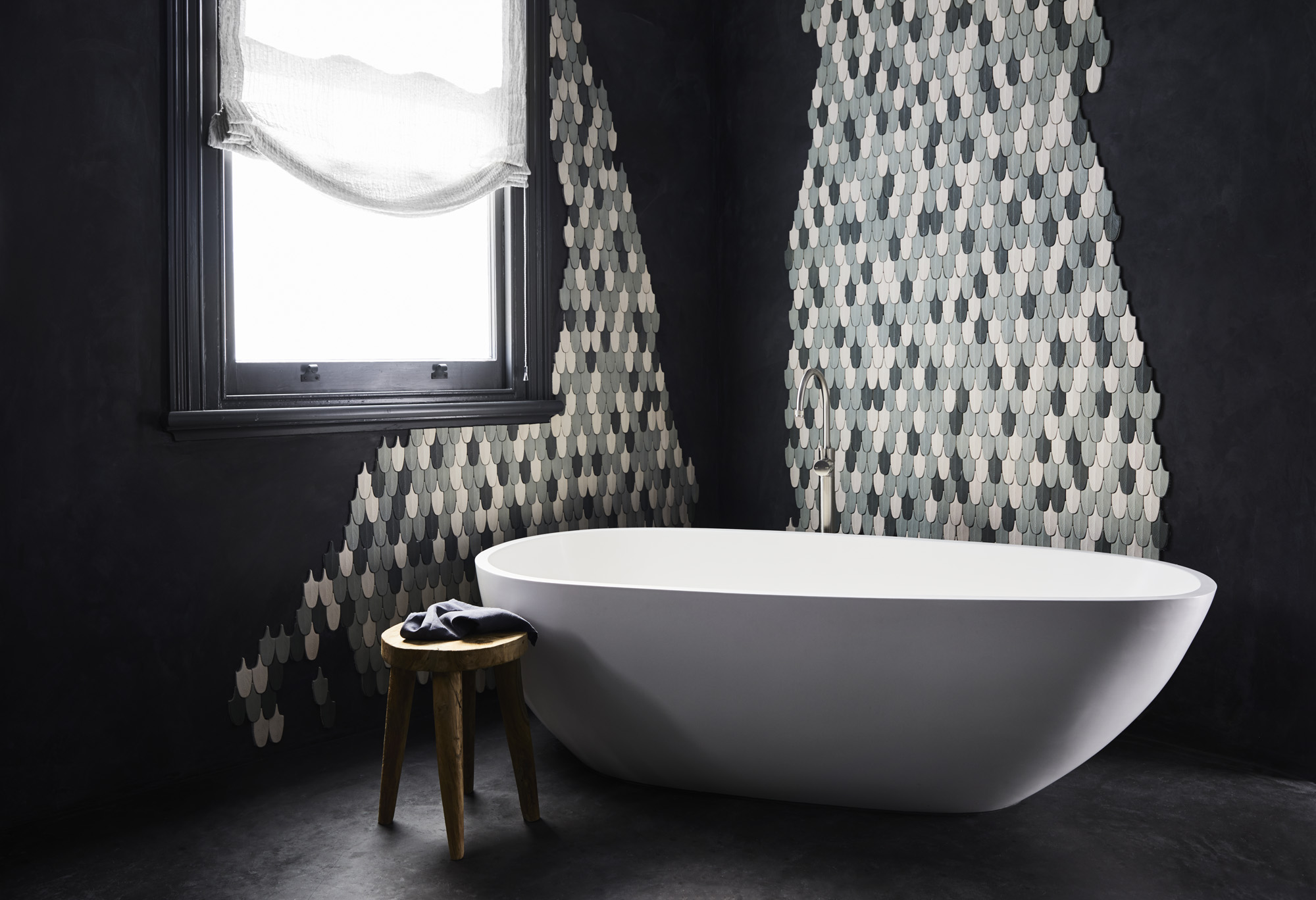 The beautiful and dramatic bathroom, with hand-made Moroccan tiles by  Popham . Photo –  Sharyn Cairns .