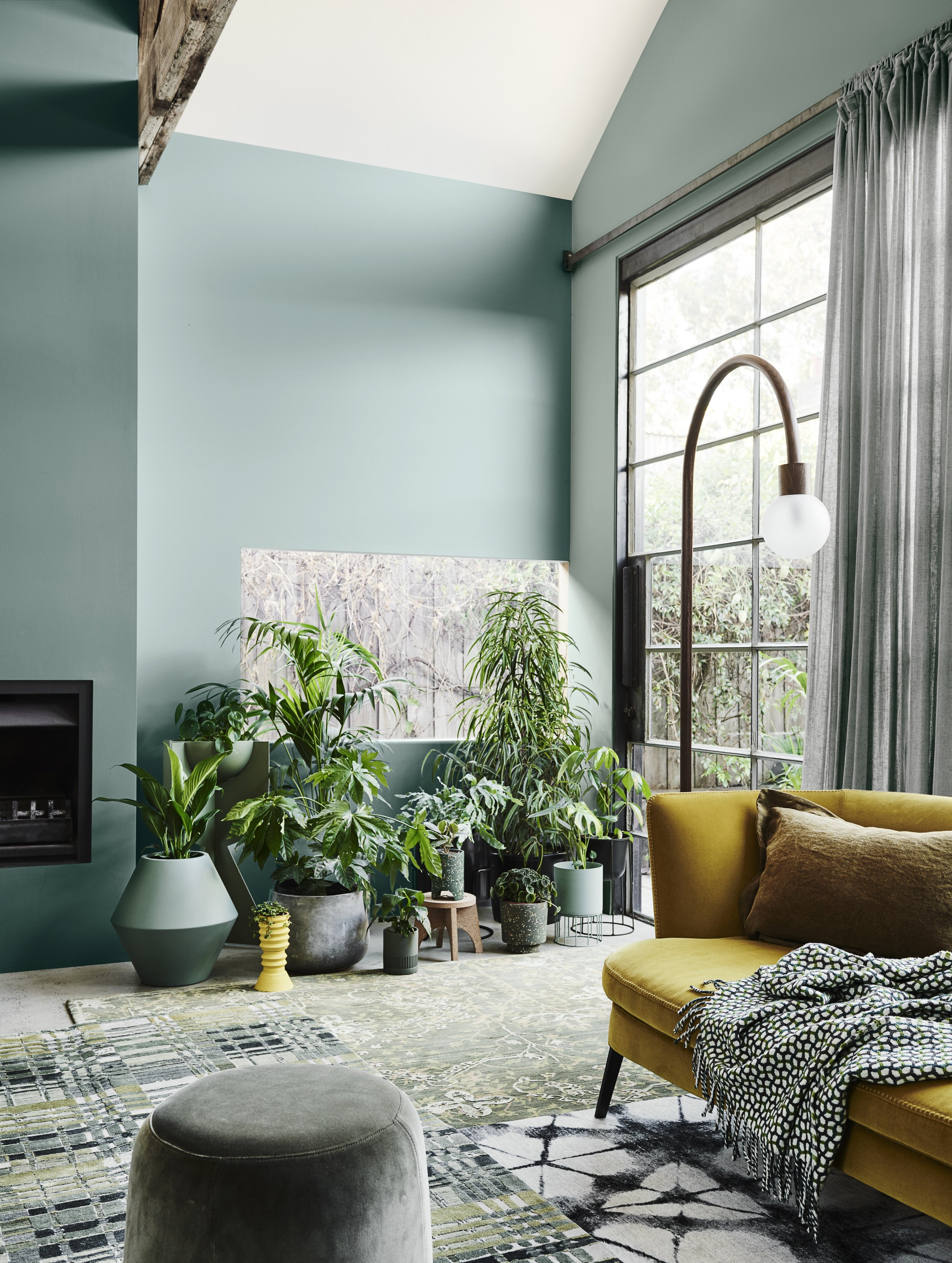 Dulux Colour Forecast 2020 – Cultivate palette. Wall in Dulux Hancock (left), wall in Pencarrow (right).
