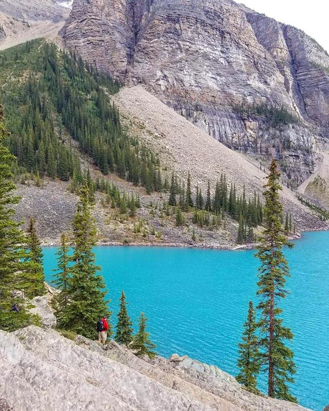A final vacation stop in #banffnationalpark to take in the beauty of #morainelake before heading back to the coast and reality.