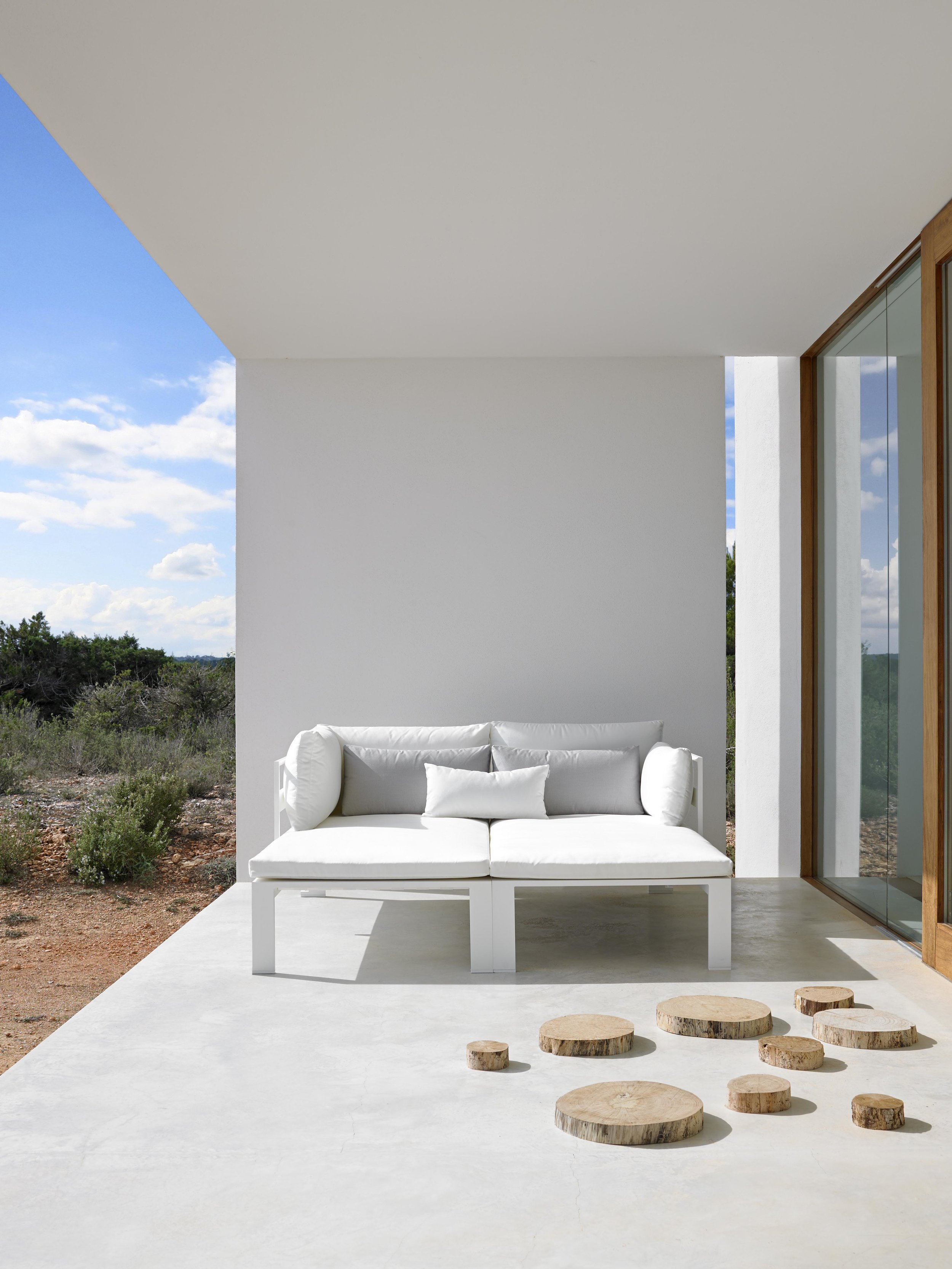 jian-white-modular-sofa-2-ambience-image.jpg