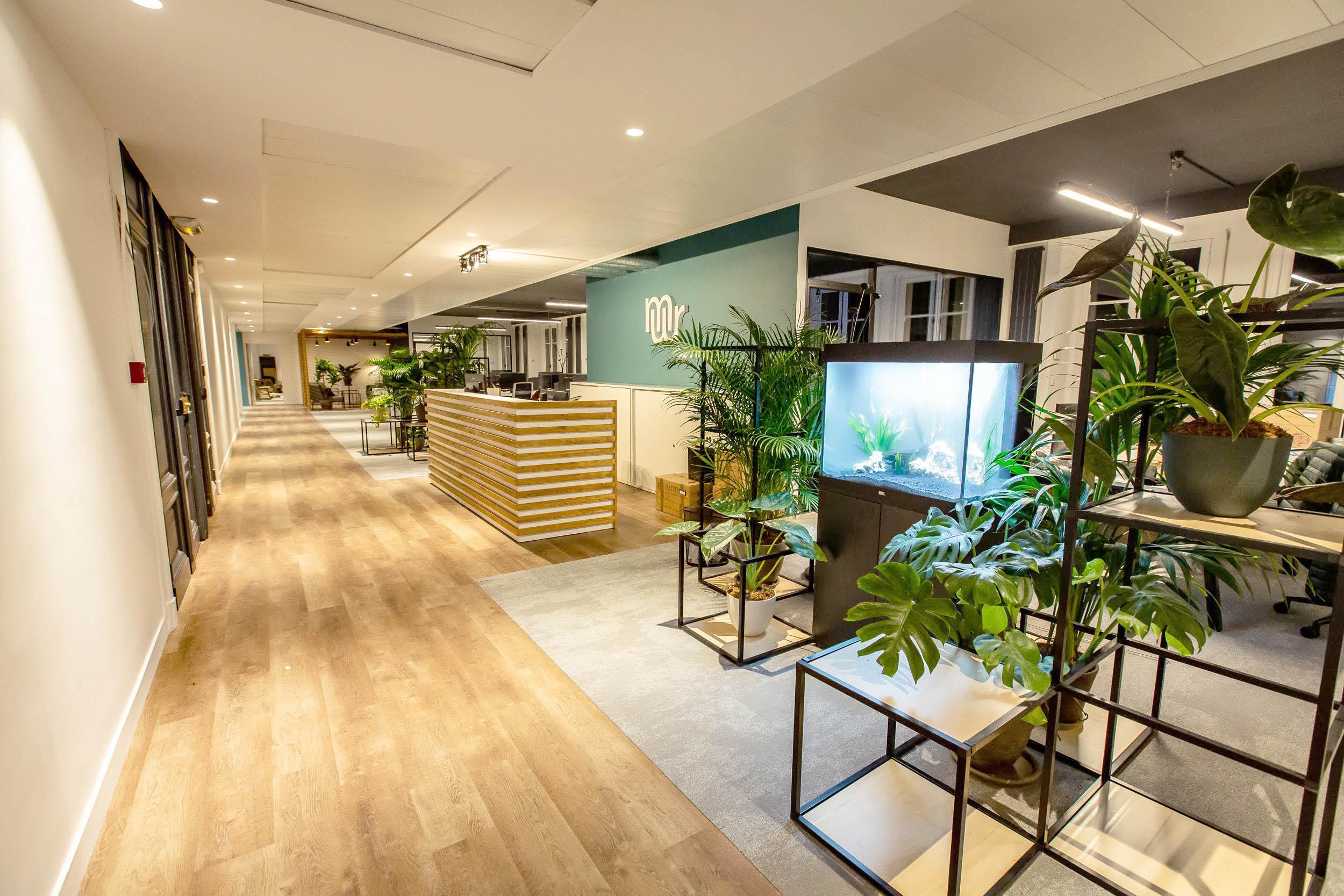ADV STUDIO - MAKE ME REACH - OFFICE PARIS 1.jpg