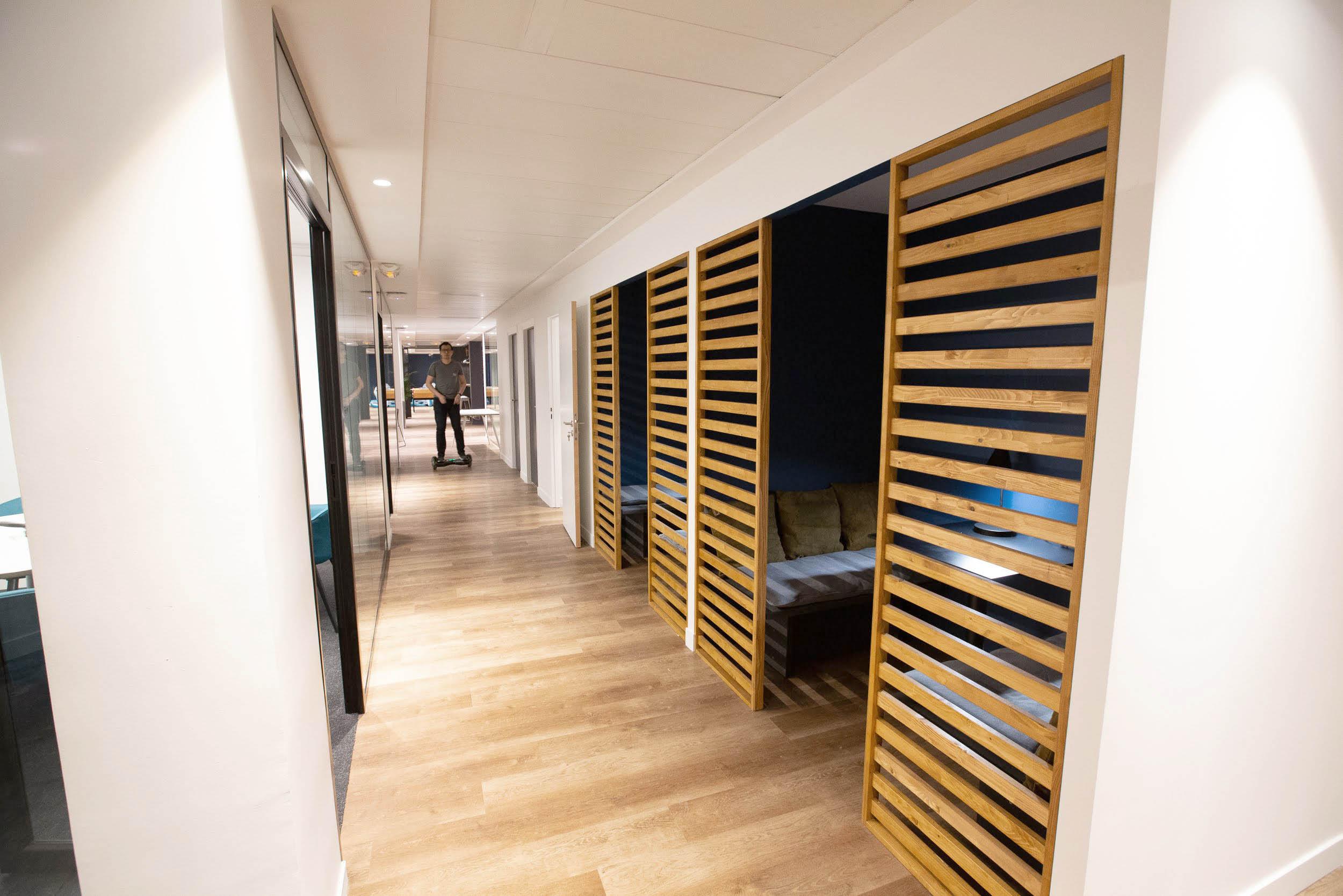 ADV STUDIO - MAKE ME REACH - OFFICE PARIS 3.jpg
