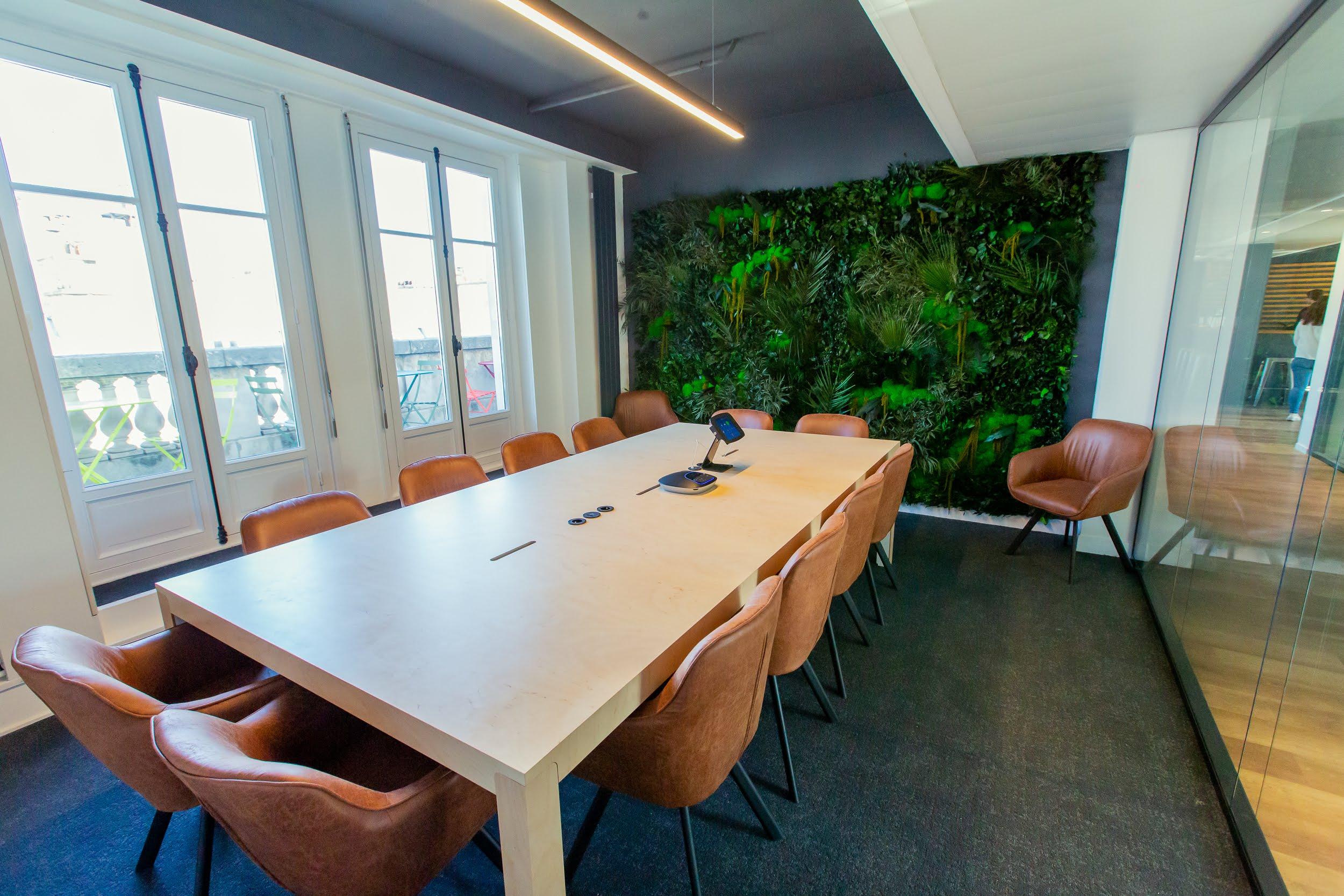 ADV STUDIO - MAKE ME REACH - OFFICE PARIS 5.jpg