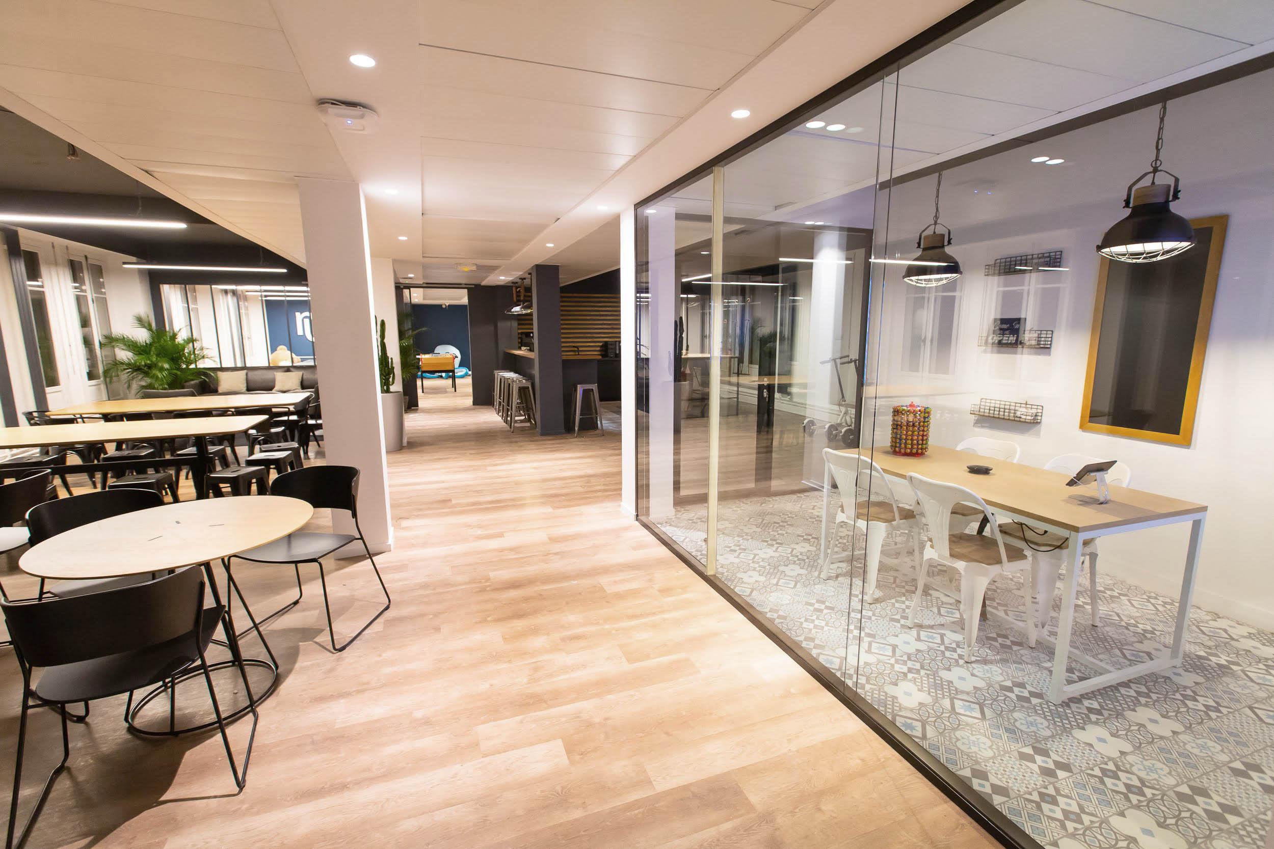 ADV STUDIO - MAKE ME REACH - OFFICE PARIS 6.jpg