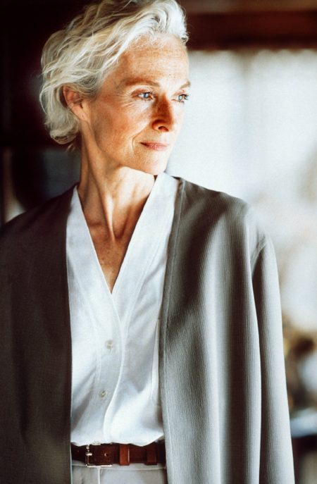Hermès S/S 1999 Cardigan in doube-faced crêpe, collarless shirt in Oxford, pants in crêpe and belt 'Étrivière' in bridle leather, Le Monde d'Hermès, Photo: Serge Guerand