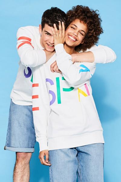 Logo sweatshirts Photo: Esprit