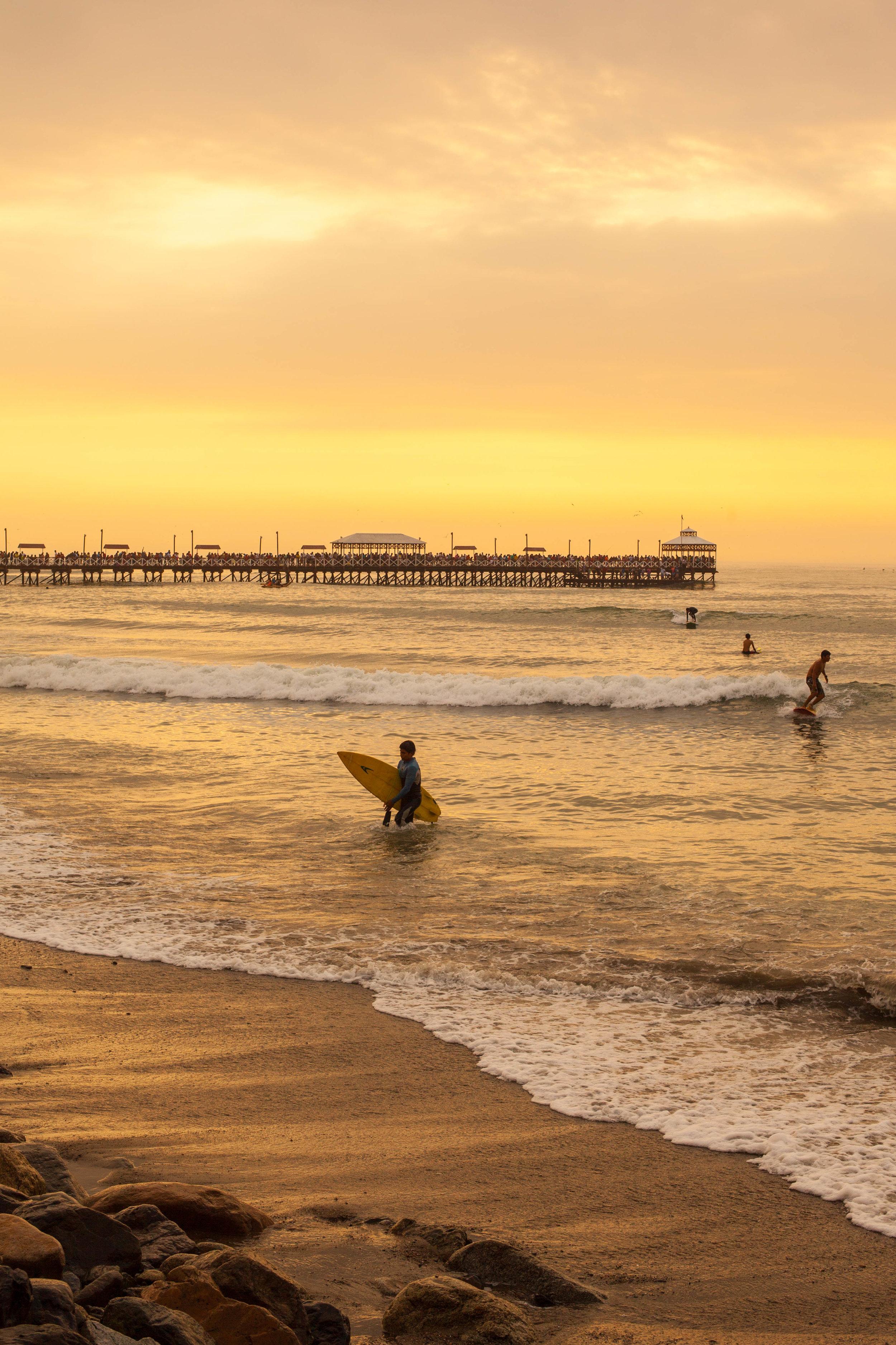 surfer_pier_small.jpg