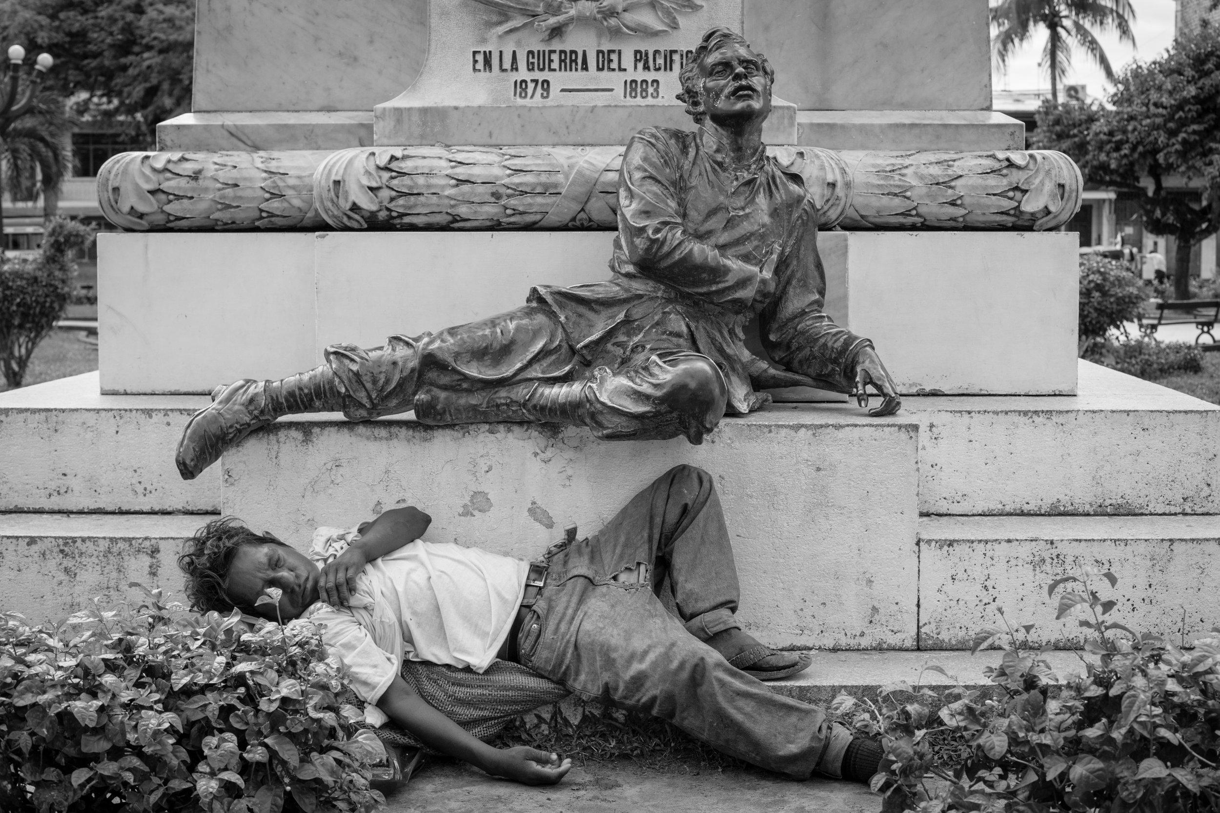 Iquitos_BW_Man_Sleep_Flickr.jpg