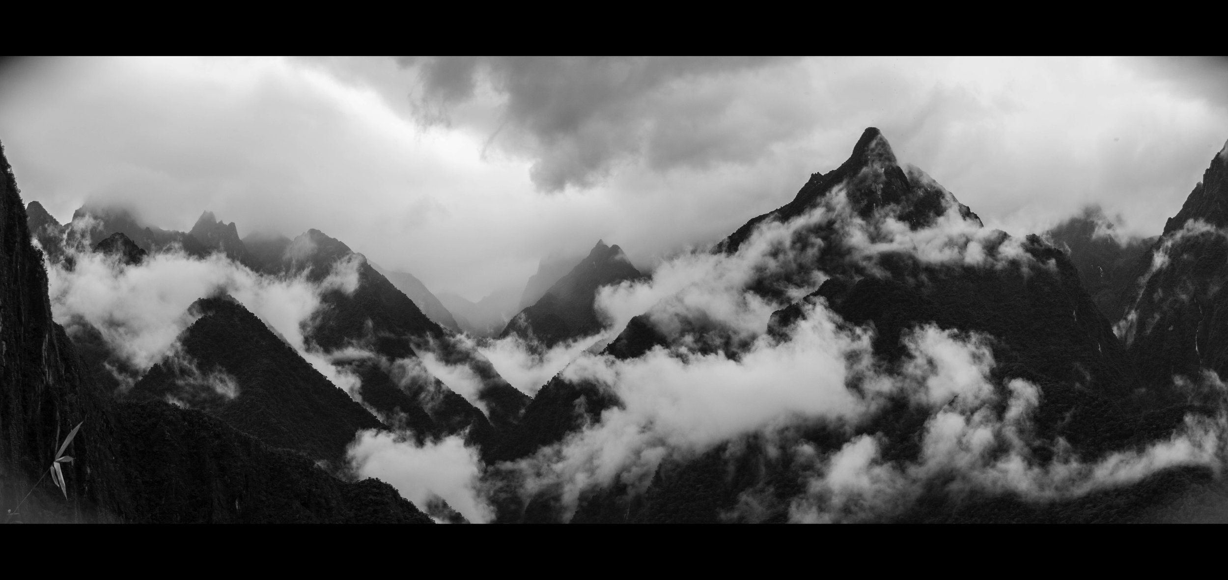 bw_mountains_small.jpg