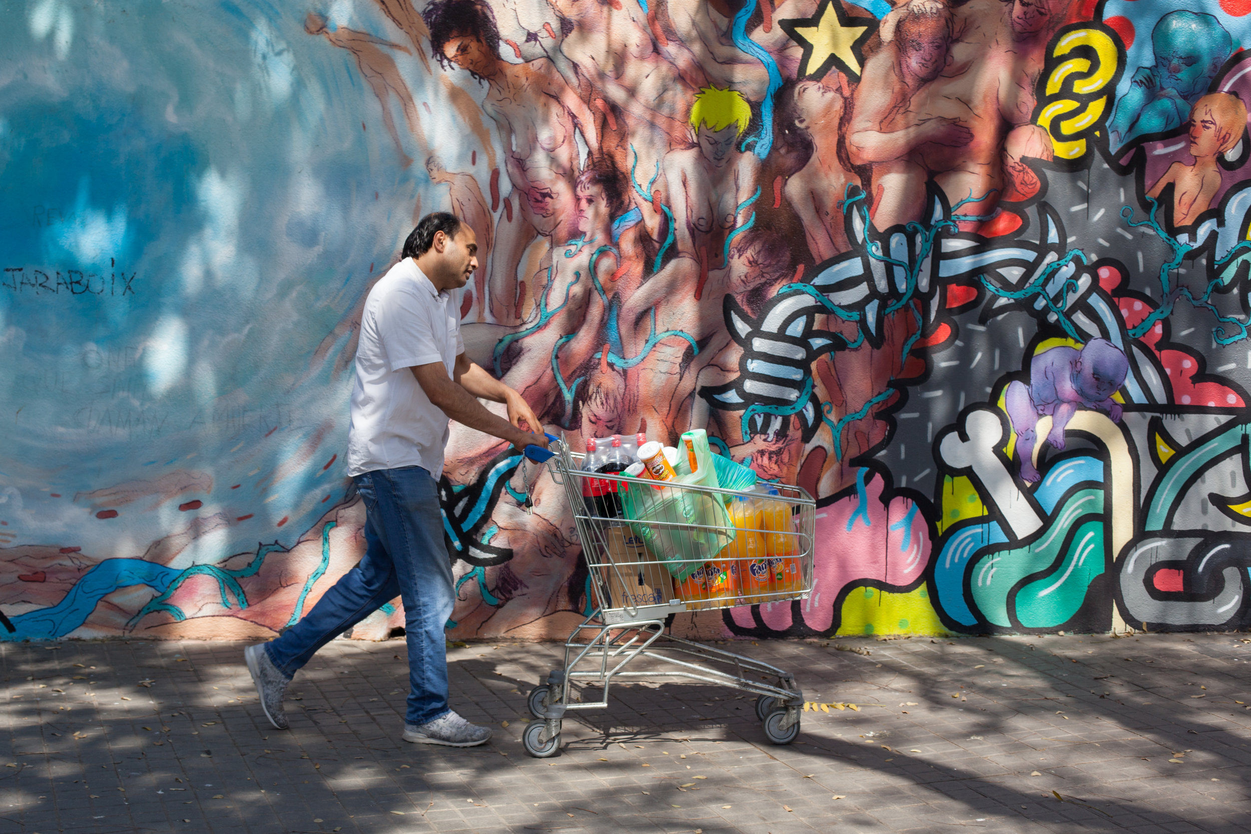 Street Photography & Street Art Tours in Barcelona.