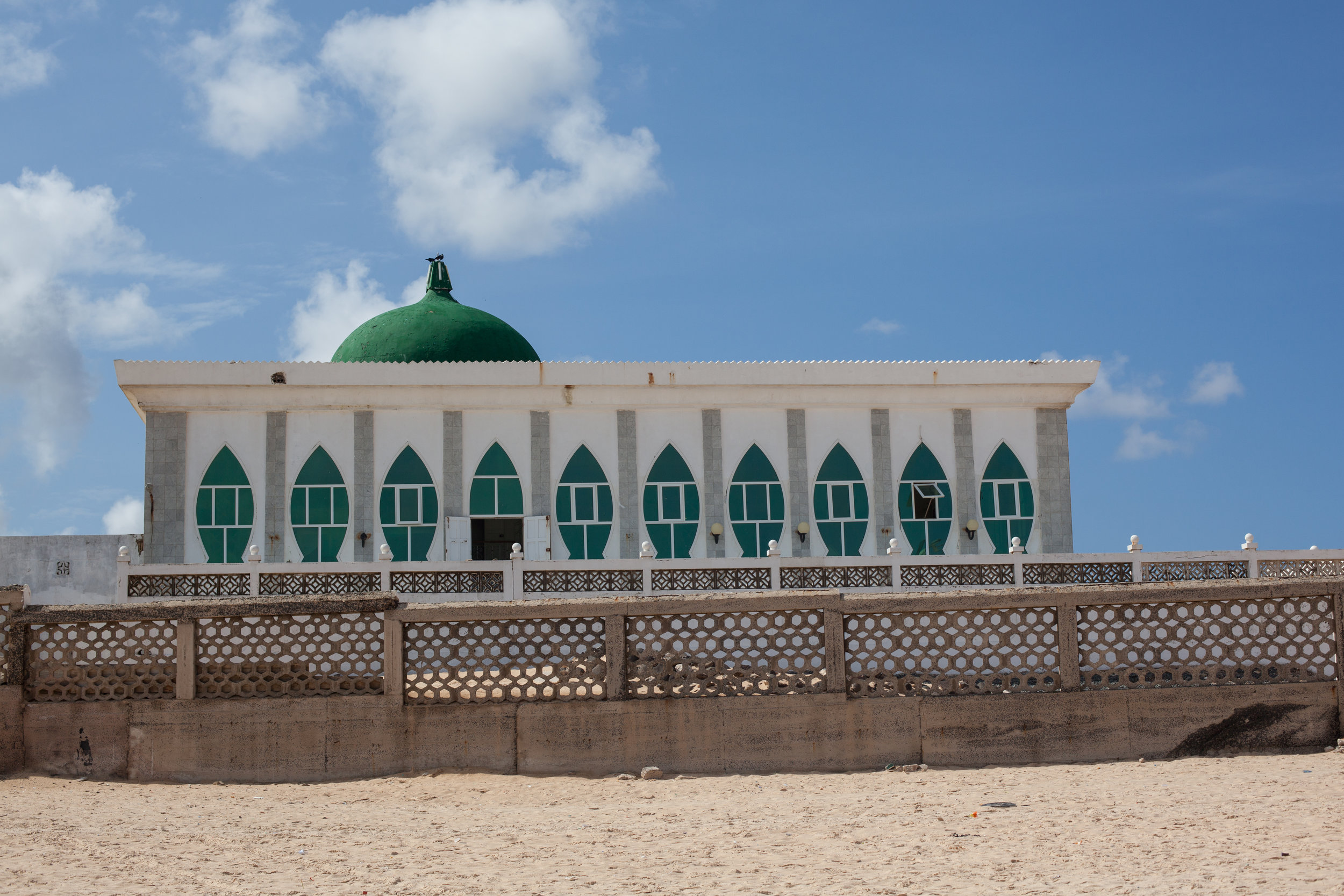 A mosque in West Africa, travel photography by Geraint Rowland.