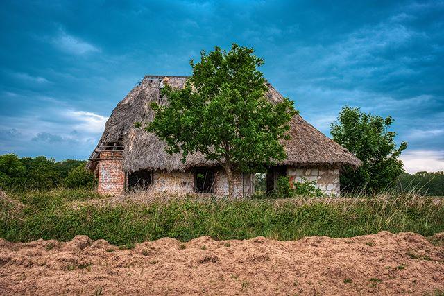 The farmhouse - © #zphoto  Take a look :  @natural_decay_ @suicide_urbex @caiya.banex @christian_urbex @k.fotoz_photografie @impression_the_world  #theurbexchallenge #g_s_i #germandecay #urbex_champions #kings_abandoned #urbexphoto #decay_illife #urbexpeople #bandorebelz #urbex_europe_ #abandonedafterdark #urbexchampions #urbanromantix #urbex #urbexworld #urbexphotography #abandoned #abandonedplaces #rottenfeed #jj_urbex #urbex_utopia #urbex_underground #urbex_rebels #urbex_supreme #grime_nation #decay_nation #kings_abandoned #all_is_abandoned #renegade_abandoned