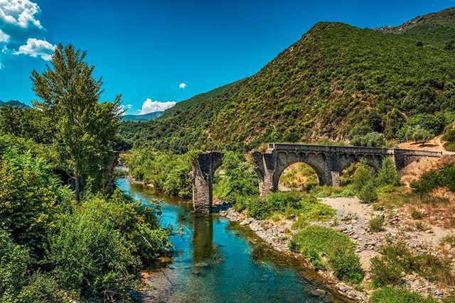 Bridge into nowhere - © #zphoto  Take a look :  @natural_decay_ @suicide_urbex @caiya.banex @christian_urbex @k.fotoz_photografie @impression_the_world @christian_leicaphotography @christian_superb  #corse #corsica #igerscorsica #instacorsica #instacorse #igerscorsica_natura #hautecorse #insta2b #wanderlust #igerscorse #balagne #ig_corse #ig_corsica #lacorse #worldcitizen #naturepics #natureperfection #rurallove #natureatitsbest #bridge #natureromantix #natureseekers #naturesbeauty #corsicanatura #naturepolis #igcorsica #igcorse #river #bellavita