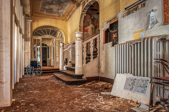 The Loges School - © #zphoto  Have a look on these wonderful profiles:  @natural_decay_ @suicide_urbex @caiya.banex @christian_urbex @k.fotoz_photografie @impression_the_world  #theurbexchallenge #g_s_i #germandecay #urbex_champions #kings_abandoned #urbexphoto #decay_illife #urbexpeople #bandorebelz #urbex_europe_ #abandonedafterdark #urbexchampions #urbanromantix #urbex #urbexworld #urbexphotography #abandoned #abandonedplaces #rottenfeed #jj_urbex #urbex_utopia #urbex_underground #urbex_rebels #urbex_supreme #grime_nation #decay_nation #kings_abandoned #all_is_abandoned #renegade_abandoned