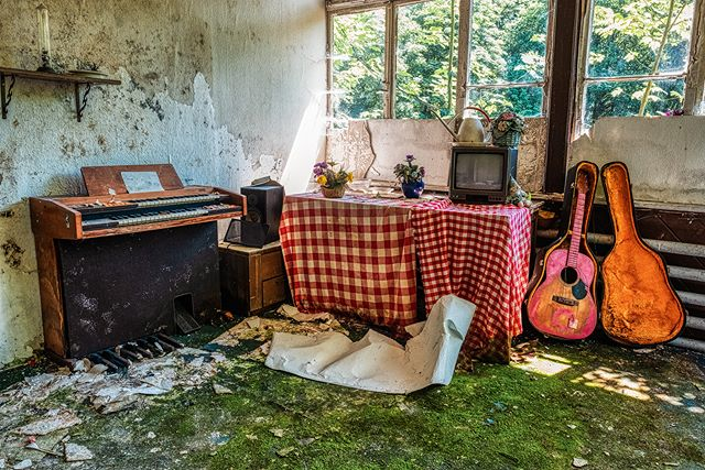 Pinky guitar - © #zphoto  Have a look on these wonderful profiles:  @natural_decay_ @suicide_urbex @caiya.banex @christian_urbex @k.fotoz_photografie @impression_the_world  #theurbexchallenge #g_s_i #germandecay #urbex_champions #kings_abandoned #urbexphoto #decay_illife #urbexpeople #bandorebelz #urbex_europe_ #abandonedafterdark #urbexchampions #urbanromantix #urbex #urbexworld #urbexphotography #abandoned #abandonedplaces #rottenfeed #jj_urbex #urbex_utopia #urbex_underground #urbex_rebels #urbex_supreme #grime_nation #decay_nation #kings_abandoned #all_is_abandoned #renegade_abandoned