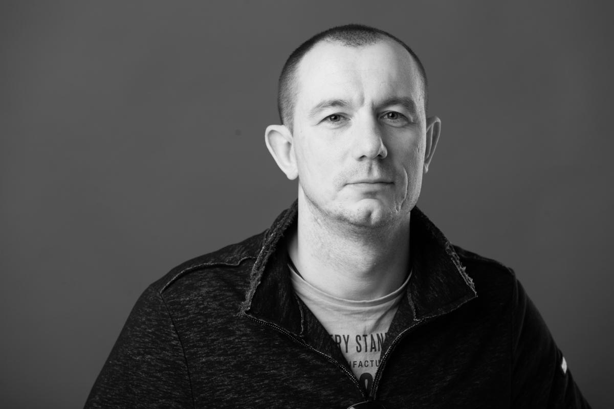 Артем Карпенко Поставщик отделочных материалов -Красок.jpg