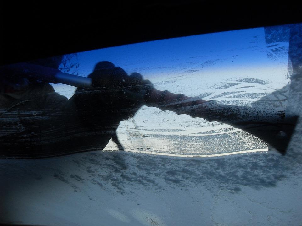 icy windscreen raynauds.jpg