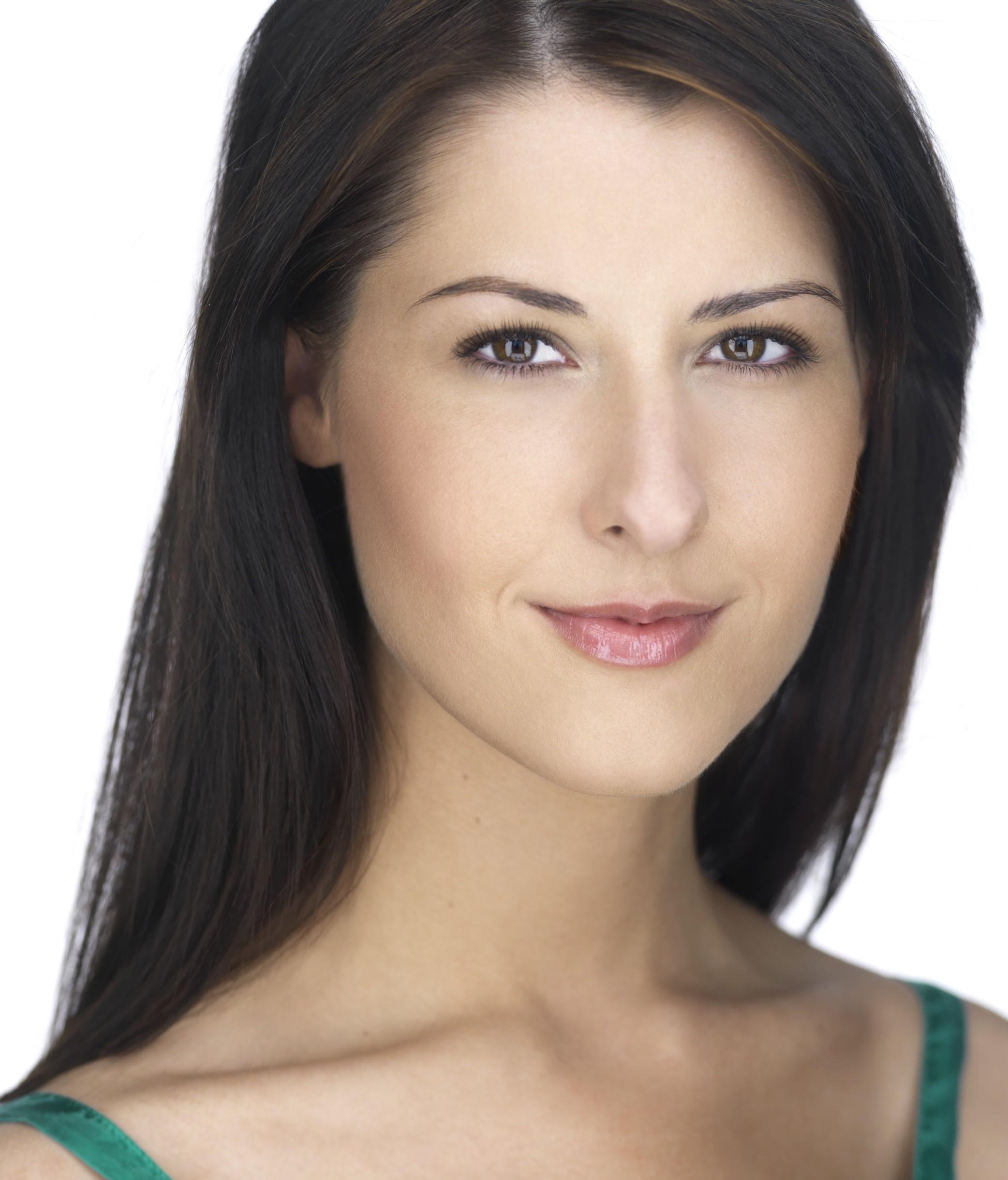 Kelly Hummert headshot.jpg