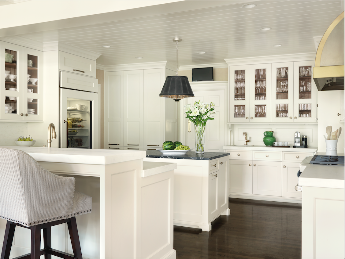 A gourmet cook, the homeowner had her brand-new kitchen outfitted with a multitude of modern amenities.