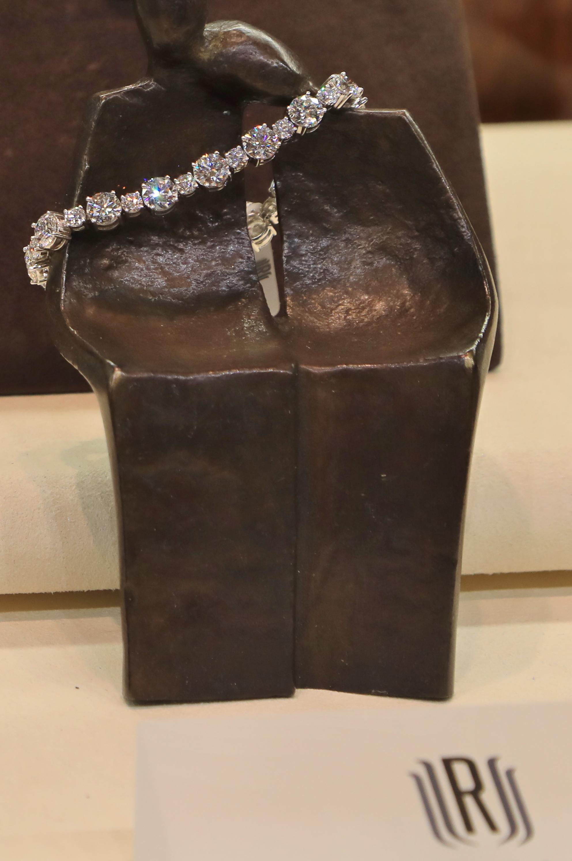 2018 Simon Jewelers Humane Society 017.JPG