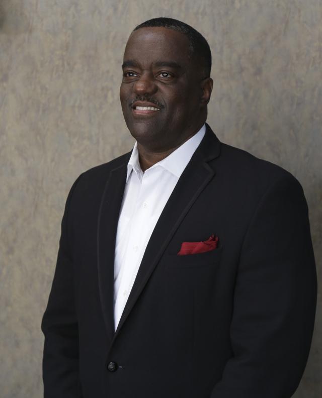 Pastor-Darius-Crayton.jpg