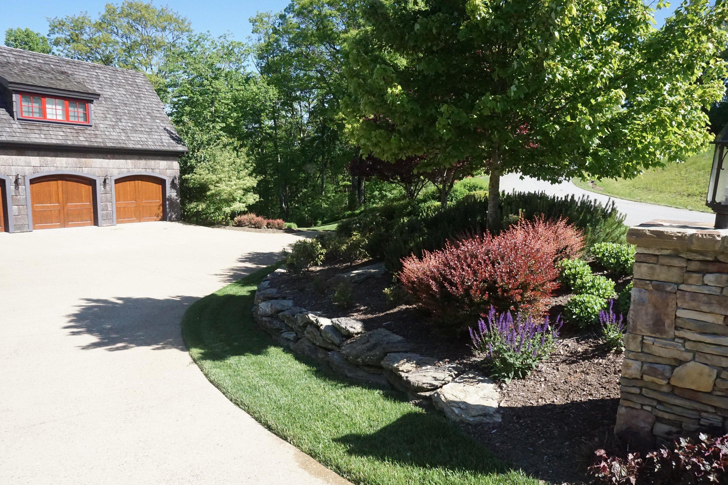 wrens-nest-landscape-high-country-patio-garden-container-installation.jpg
