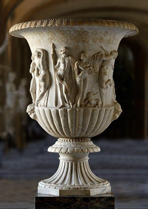 Fig. 1. Borghese Vase, Louvre, Paris.