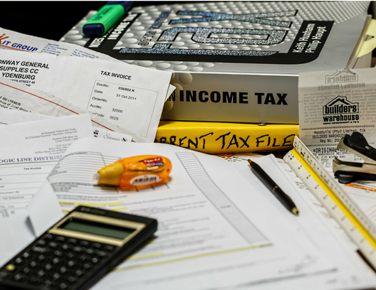 5 ways to prepare for tax season calculator.png