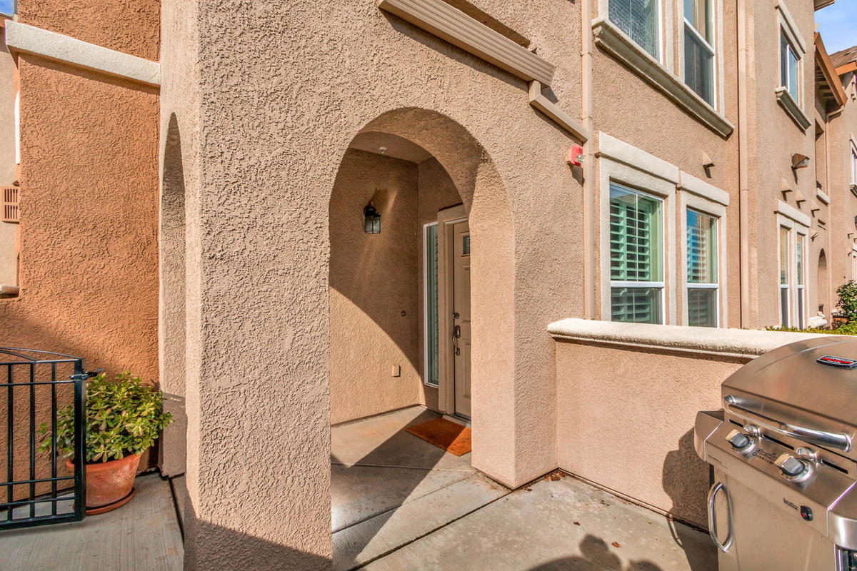 1387 Milano Dr 5 West-MLS_Size-004-5-Front Patio-1200x800-72dpi.jpg
