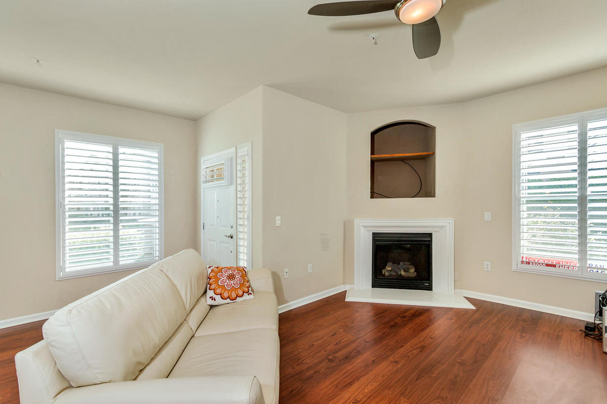 1387 Milano Dr 5 West-MLS_Size-005-1-Living Area-1200x800-72dpi.jpg