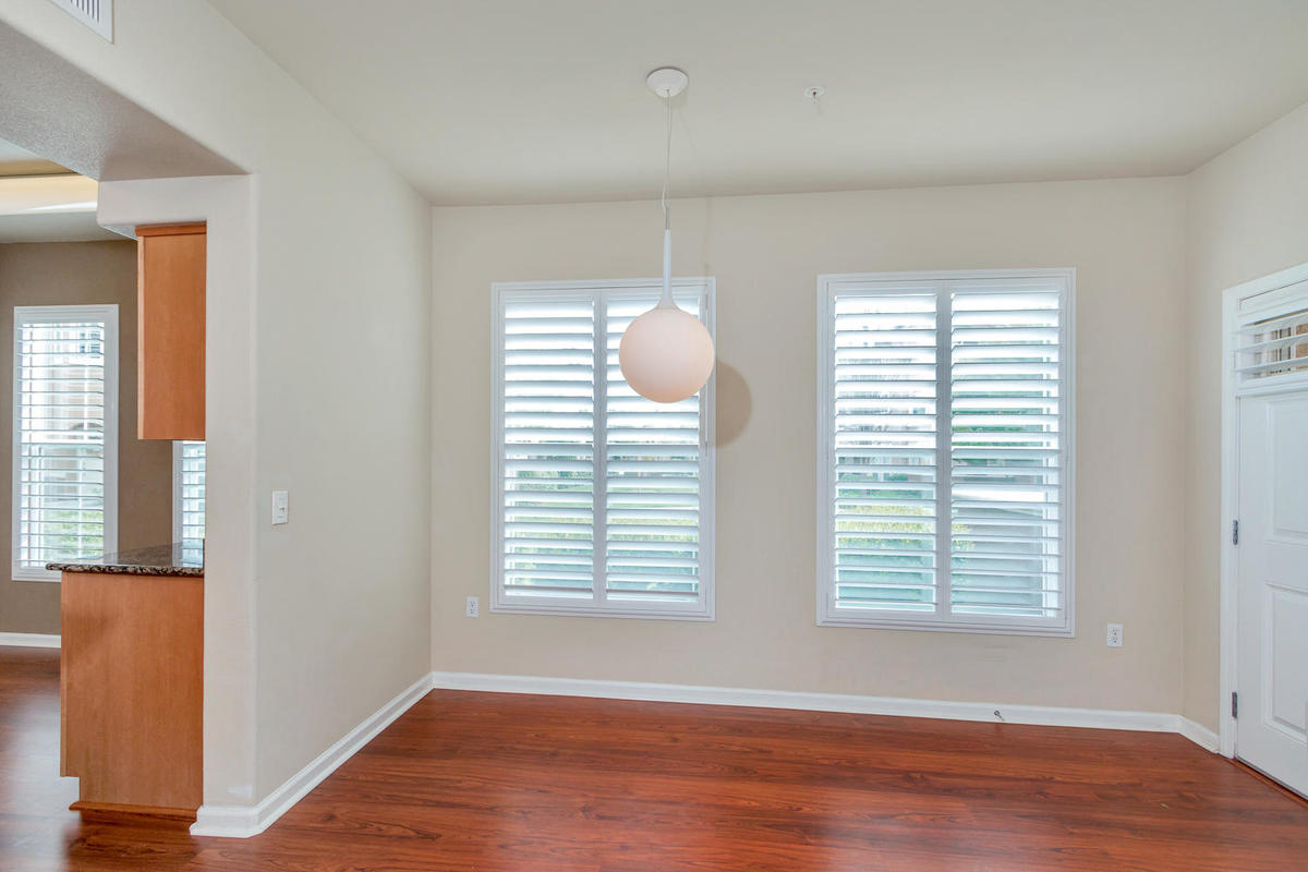 1387 Milano Dr 5 West-MLS_Size-007-3-Dining Area-1200x800-72dpi.jpg