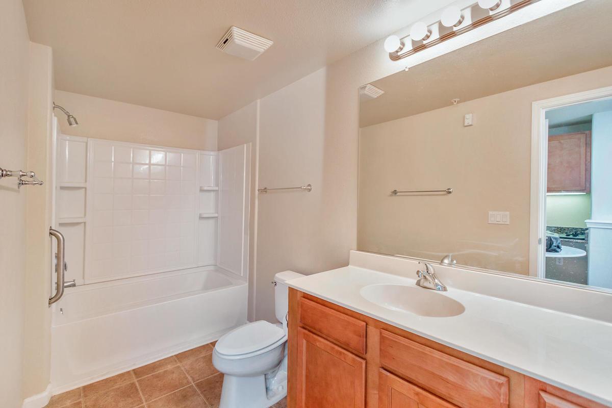 1387 Milano Dr 5 West-MLS_Size-017-11-Bathroom 2-1200x800-72dpi.jpg