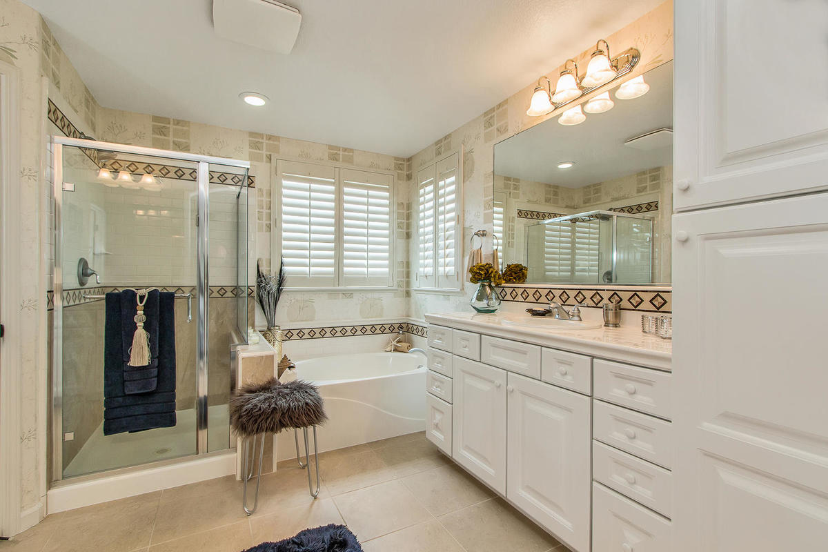 2198 Goodstone Way Roseville-MLS_Size-020-37-Master Bathroom-1200x800-72dpi.jpg
