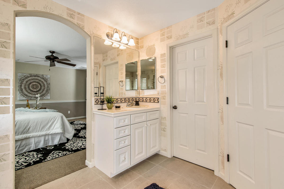 2198 Goodstone Way Roseville-MLS_Size-021-18-Master Bathroom-1200x800-72dpi.jpg