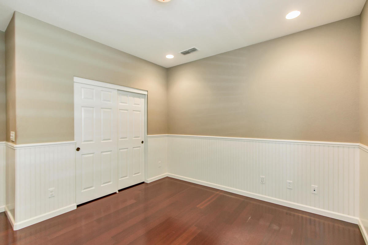 2198 Goodstone Way Roseville-MLS_Size-026-24-Lower Bedroom-1200x800-72dpi.jpg