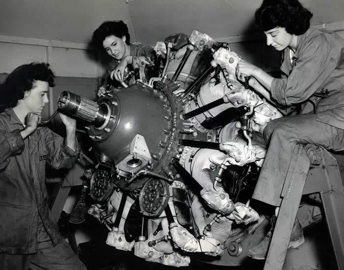 women working WWII.jpg