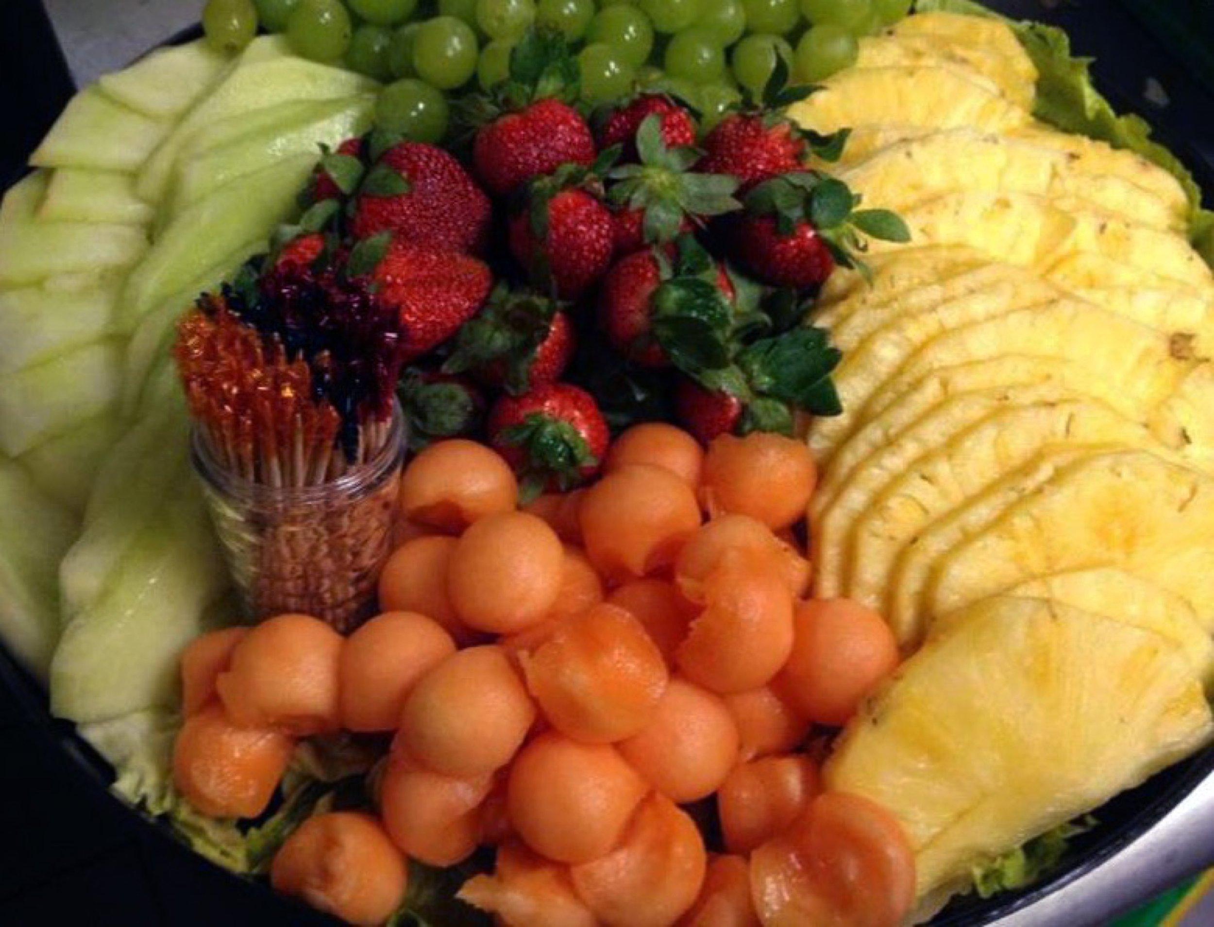royal-roast-beef-fruit-platter.jpg