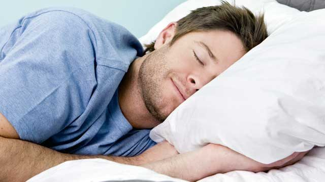 man-sleeping-640x360.jpg
