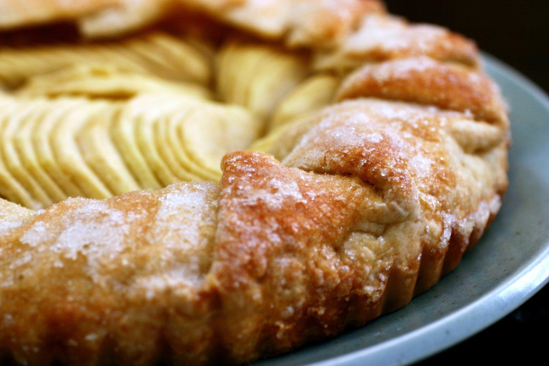 Gray Oak Studio - Wednesday Five - Apple Tart Recipe from Smitten Kitchen