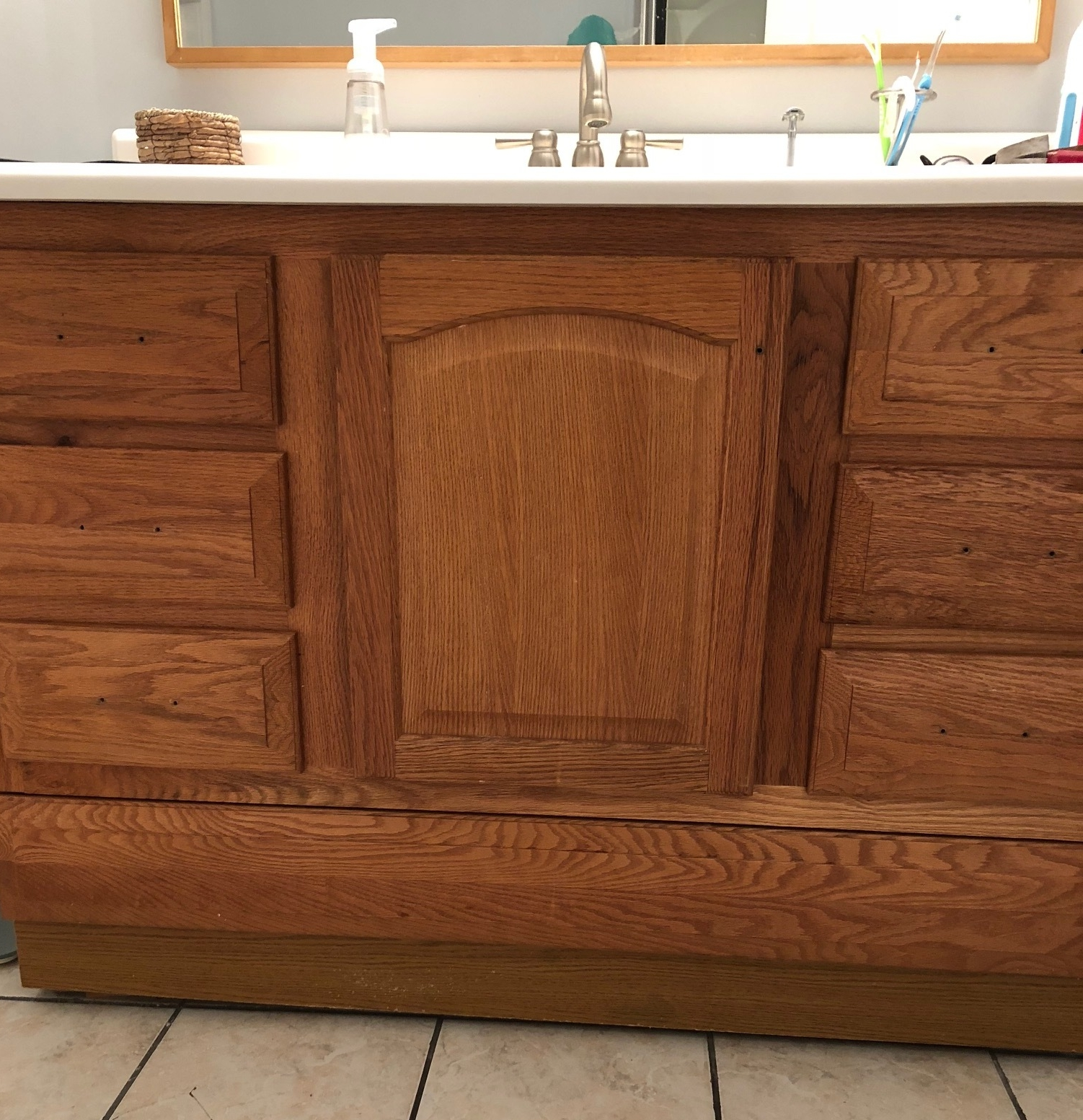 Gray Oak Studio - 2 Days 200 Dollars - Prepping vanity for paint