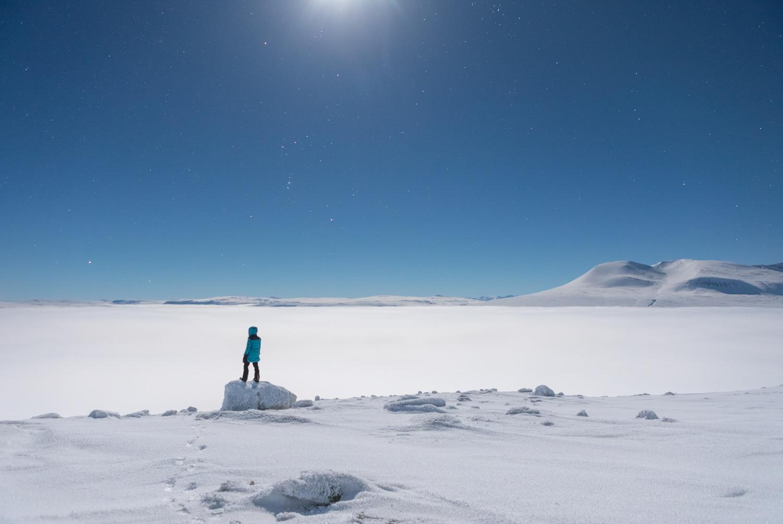 winter_moon_mountains_sweden.jpg