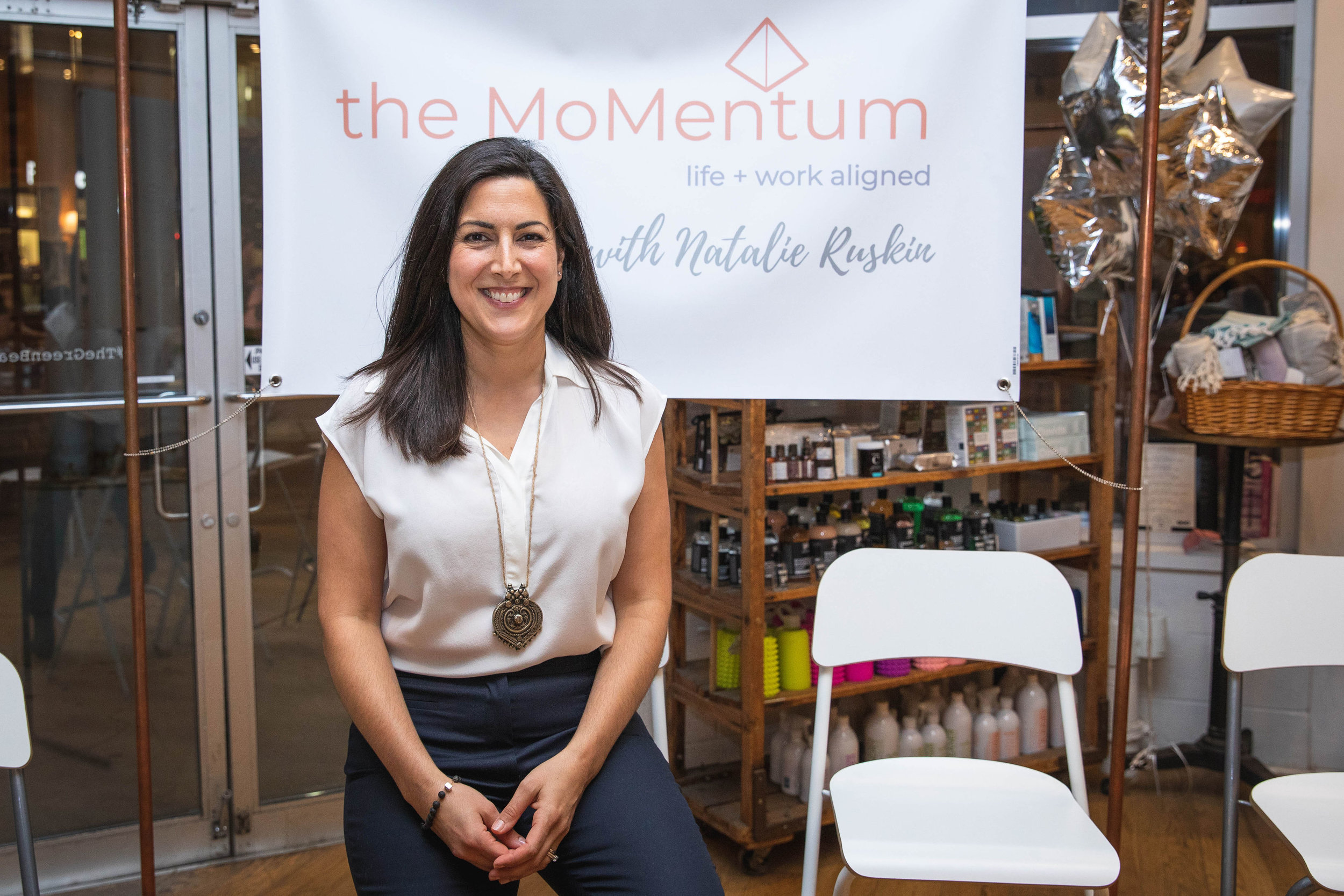 The MoMentum - You're a working mom and ready to discover and build work that is impactful and sustainable for you.