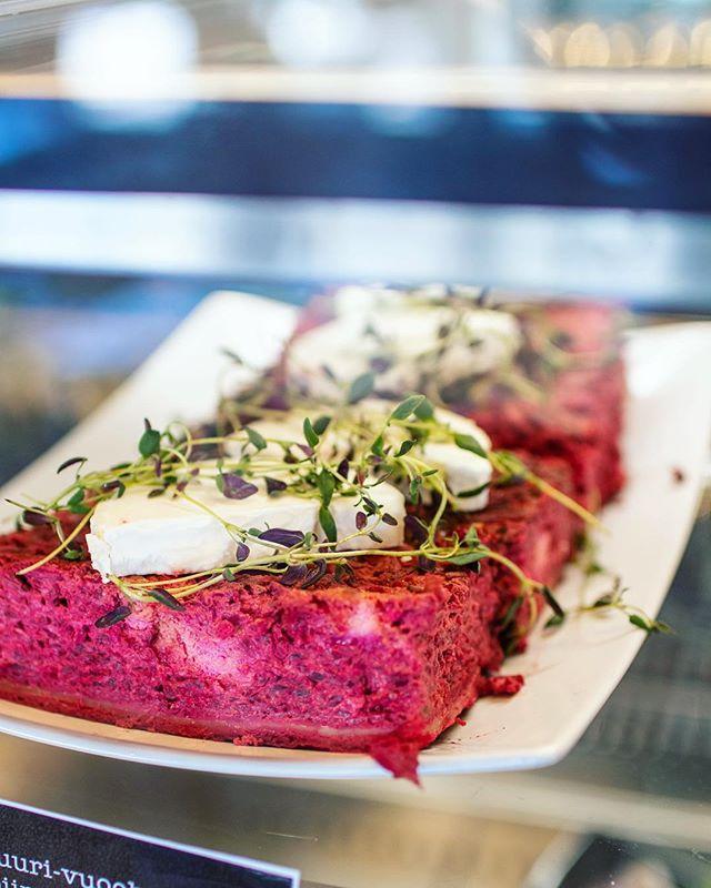 Piirakkaa, pastaa, keittoa vai salaattia?🥧🍝🥣🥗 Kaikkea löytyy! Lauantain lounaana: gulassikeitto & kana-vuohenjuustopasta.🍴Tervetuloa! . #otsolahti #tapiola #lounasespoo #visitespoo #lounastapiola #espoo #lunch