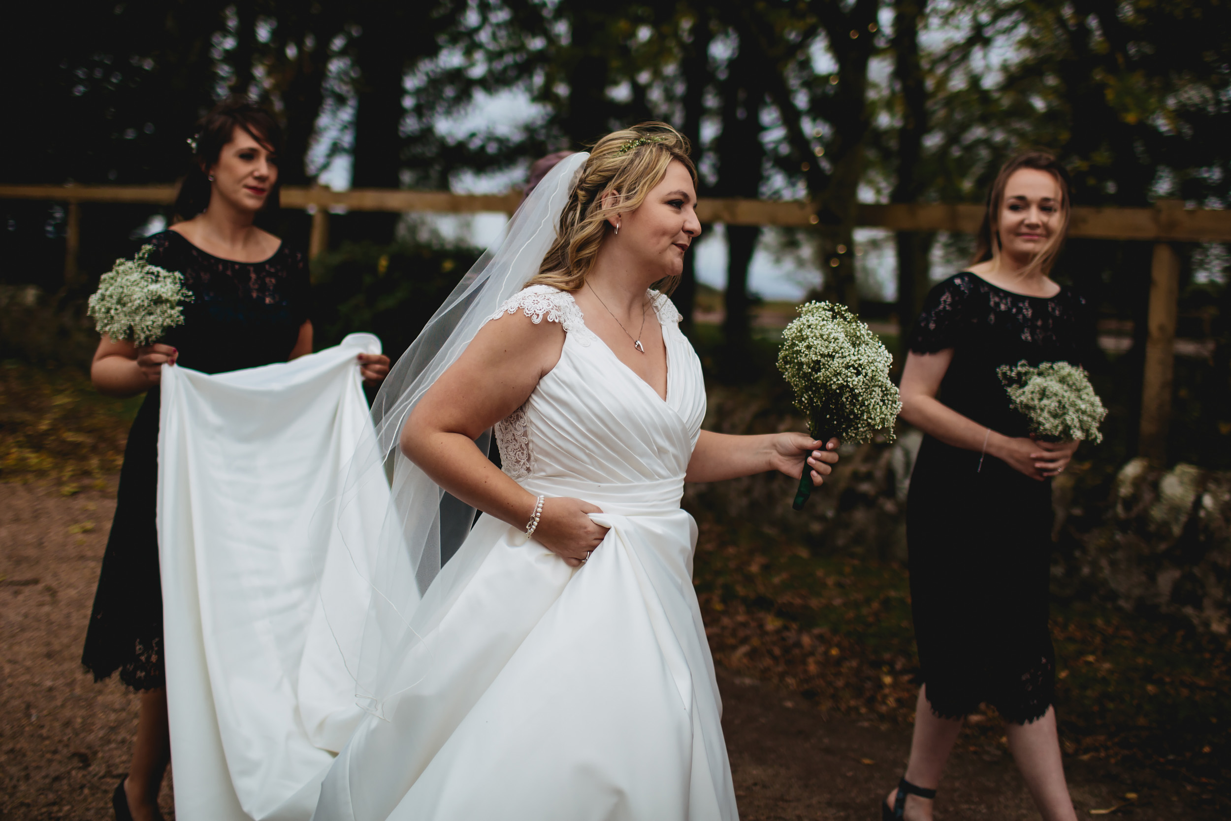 Scottish bride walks to her wedding