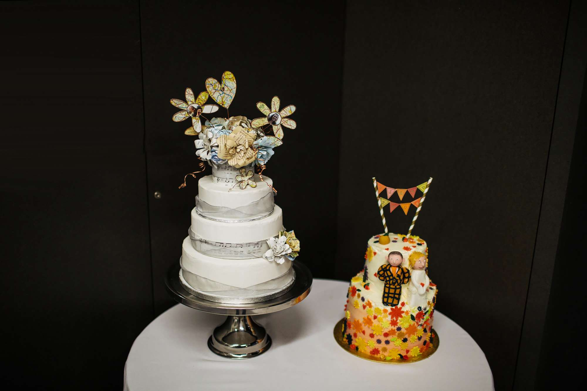Beautifully decorated wedding cakes at Hepworth Art Gallery