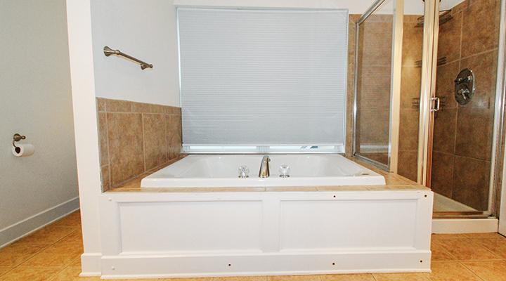 Master Bathroom- 2 (1).jpg
