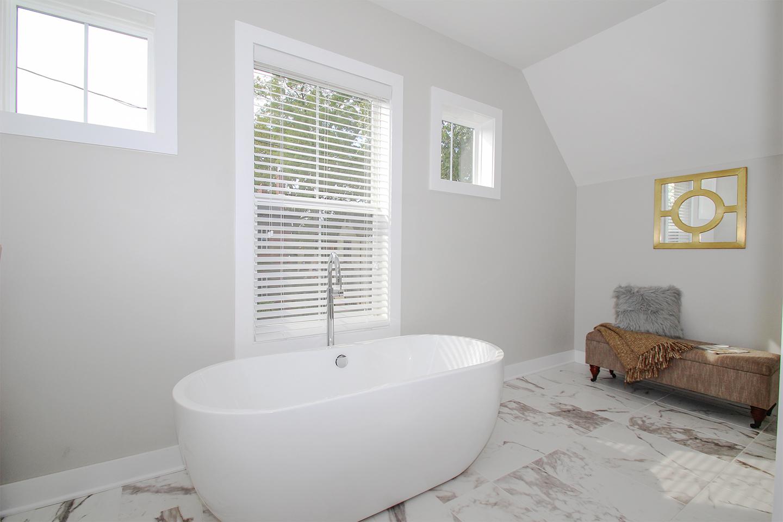 Master Bathroom- 4.jpg