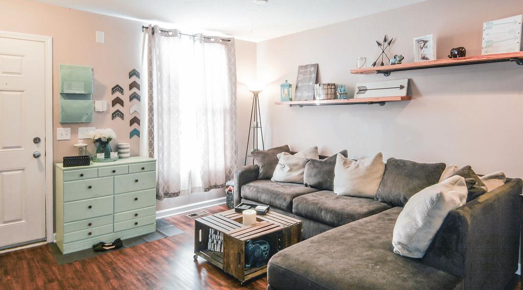 Thunder Gulch living room 2.jpg